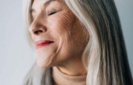 8 הרגלים יומיומיים שמאיצים את הזדקנות העיניים